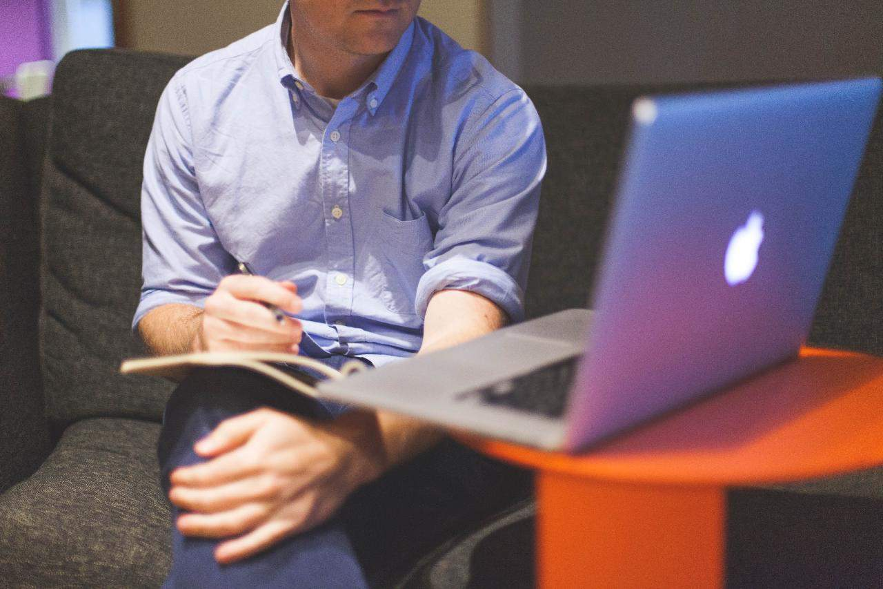3 Benefits of Outsourcing Digital Marketing as a Startup